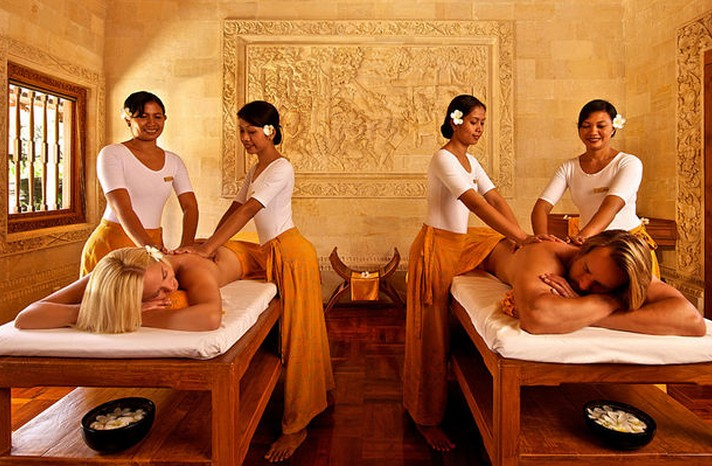 Four-Hand-Massage-Dubai